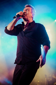 Jimmy Barnes sings to a full house at the Red Dirt Rock Concert.