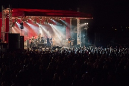 A full house for Jimmy Barnes' performance at the Red Dirt Rock Concert | KBRC